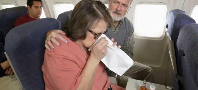 Что делать, если тошнит в самолете: лучшие способы справиться с рвотой